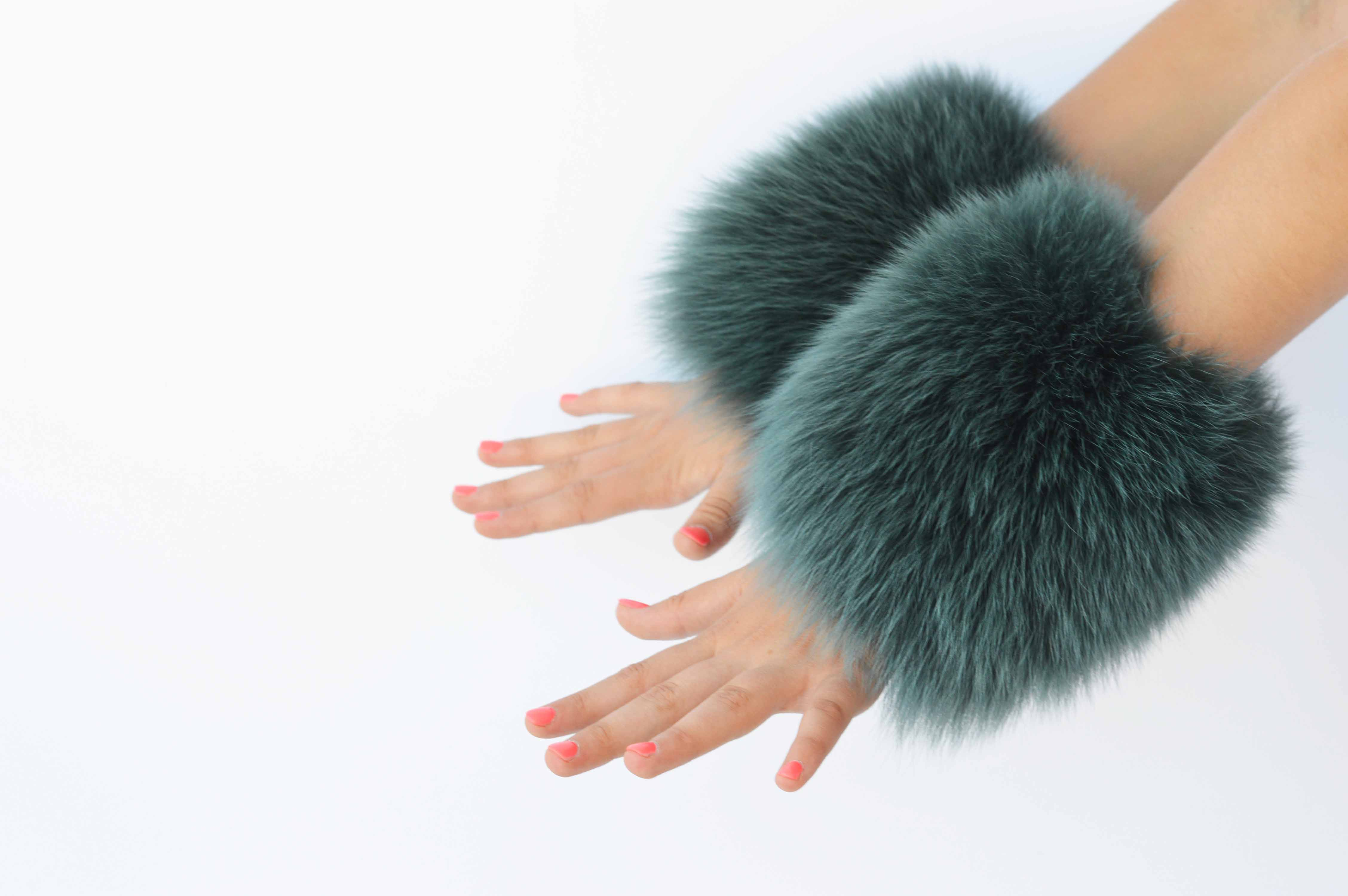 Polsi Clic Clac in pelliccia di volpe verde