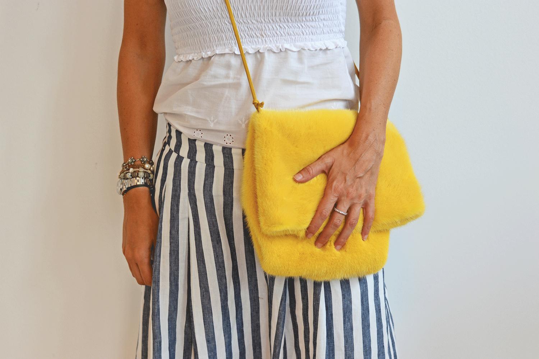 Sacchetto bag in visone e pelle gialli