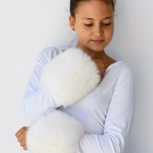 polsi pelliccia bianca