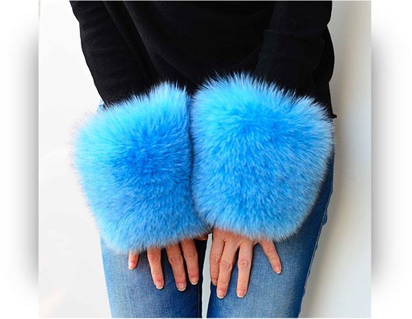 Polsi pelliccia cappotto di volpe colore azzurro a Clic Clac