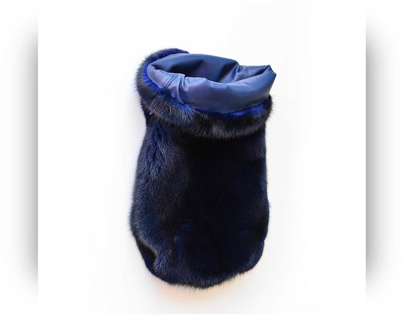 Borsa di pelliccia a sacchetto blu in visone con interno in pelle