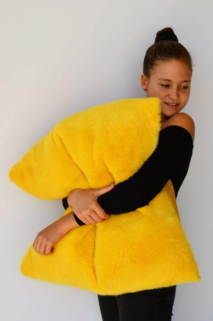 Cuscino di pelliccia