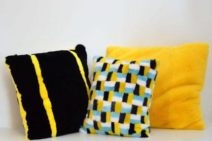 Cuscino di pelliccia a colori