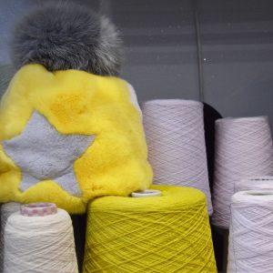 Cappello di pelliccia a cuffia