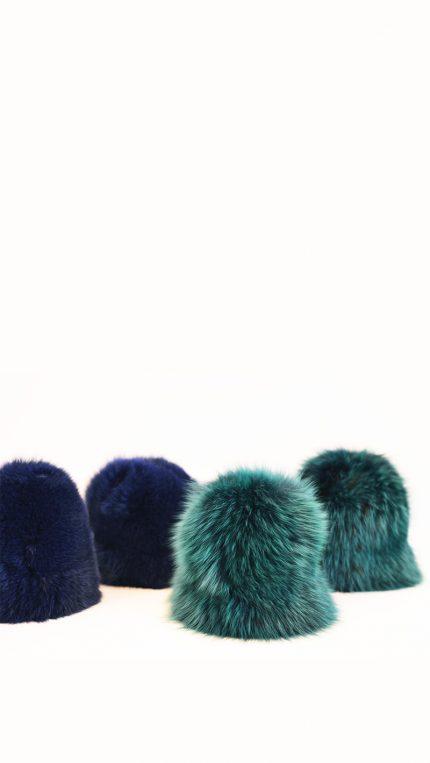Cappello di pelliccia di volpe blu