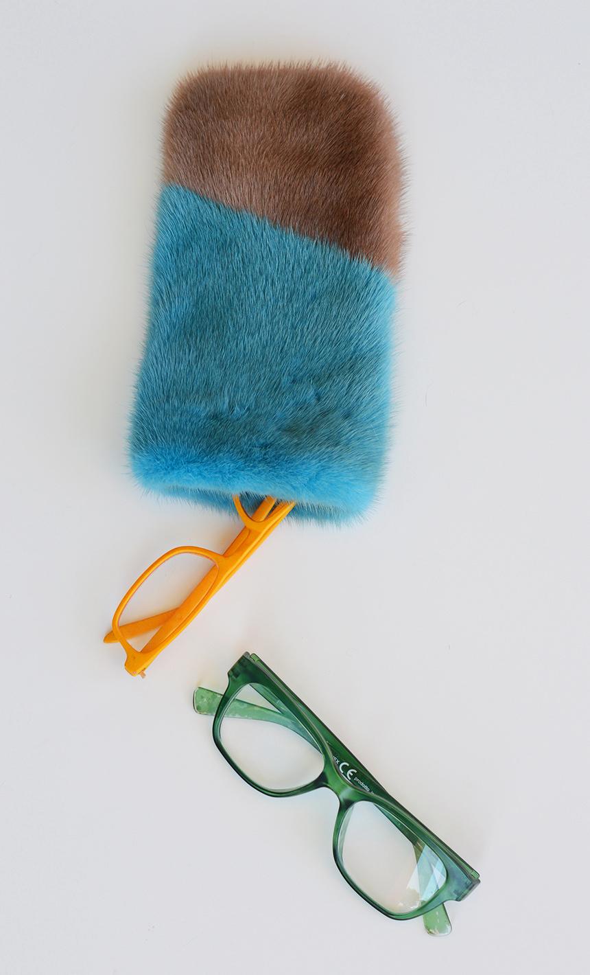 Portaocchiali pelle e pelliccia colorata e riciclata