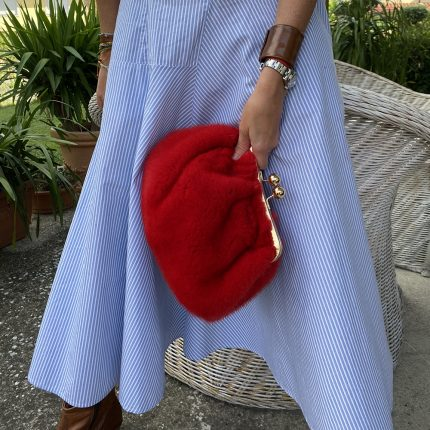 borsa pasticcino rossa outfit